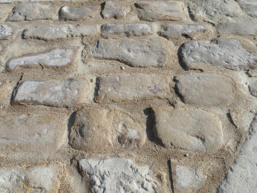 Antique French limestone cobbles