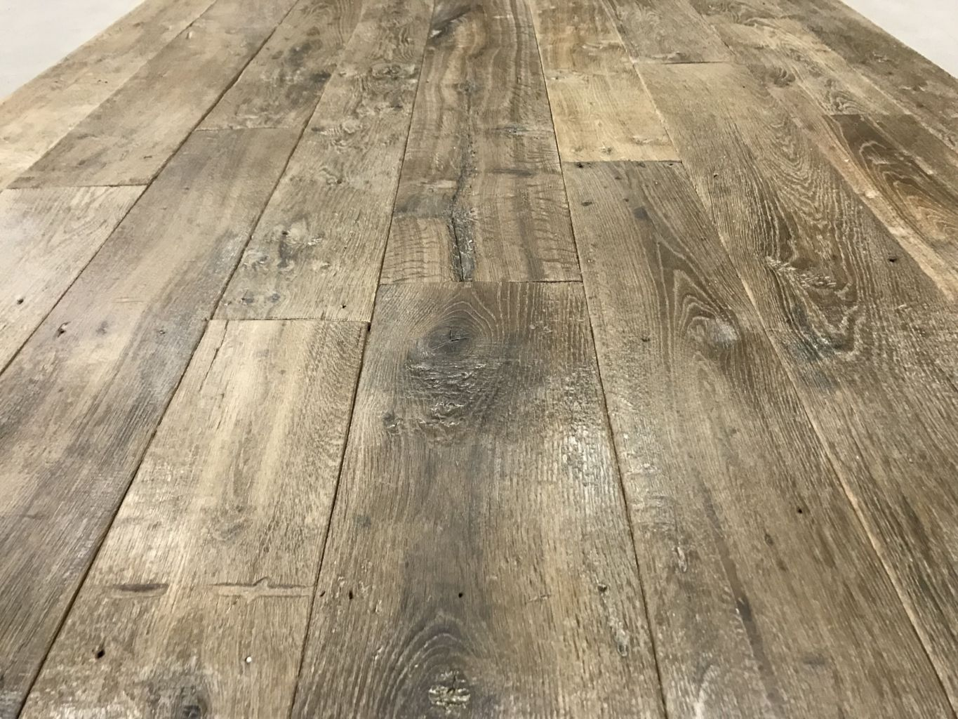 Antique reclaimed French oak floorboards – Pre-prepared for installing