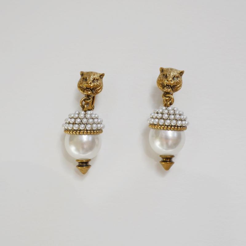 Preloved Gucci pearl earrings