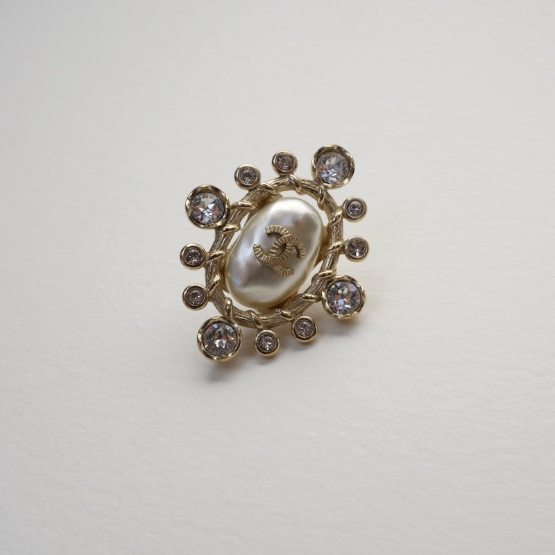 Baroque Chanel earring