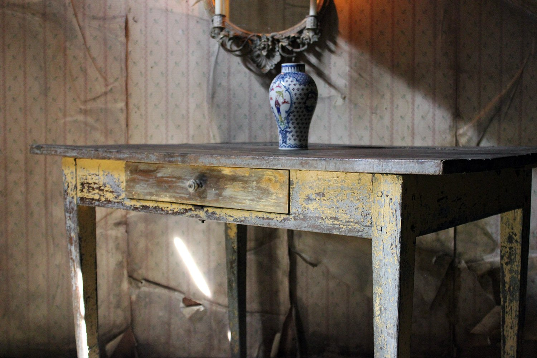 Doe & Hope Painted Oak Sidetable