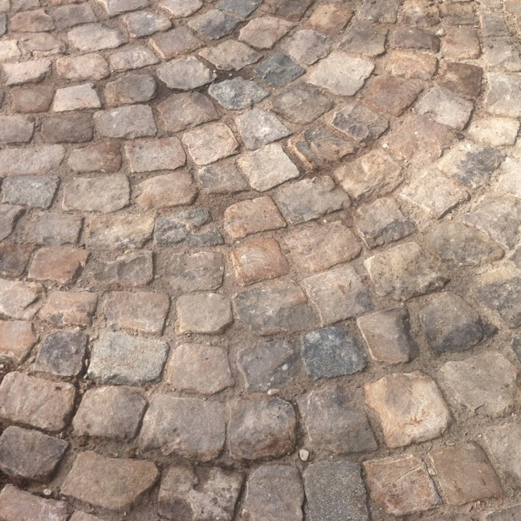 Small format French antique cobbles